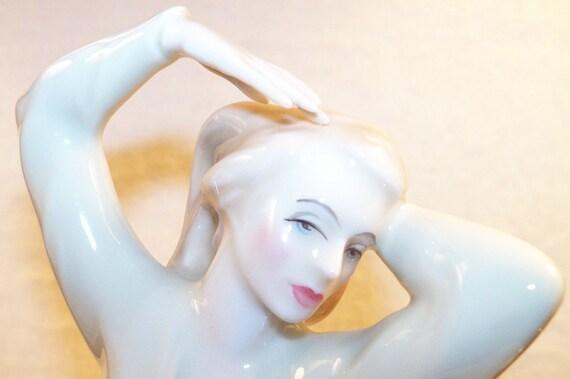 Beautful Vintage ROYAL DOULTON REFLECTIONS Figurine Allure
