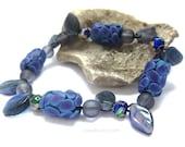SUMMER SALE Blueberry beaded bracelet - purple blue bright stretch bracelet with glass leaves