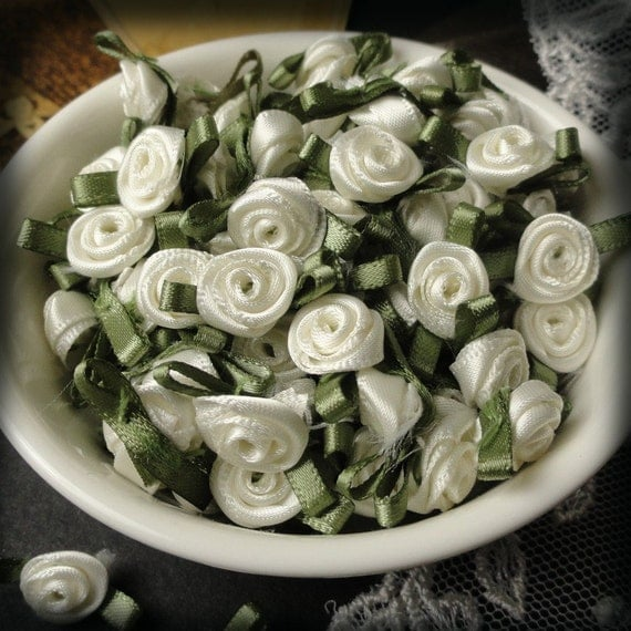 Antique White  RIBBON ROSES