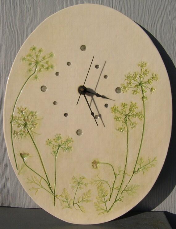 Queen Ann's Lace Pressed Plant Pottery Clock, Michigan Flora
