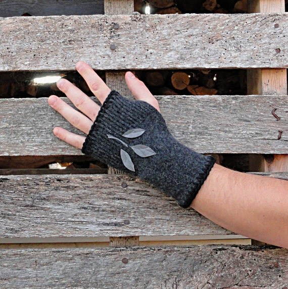 Charcoal Wool Fingerless Gloves - Men or Women - Shadow Forest