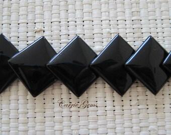 "16"" long Onyx 14mm Rhombus Beads"