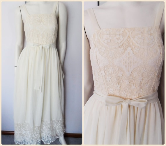 Vtg.70s Ivory Cream Lace Feminine Long Hippie Maxi Sun Dress by Montgomery Ward.S.Bust 34.Waist 27.