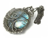 Lenthir II - silver wire-wrapped pendant with labradorite