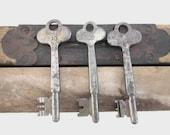 Vintage Skeleton Keys/Hotel Keys Yale TREASURY ITEM