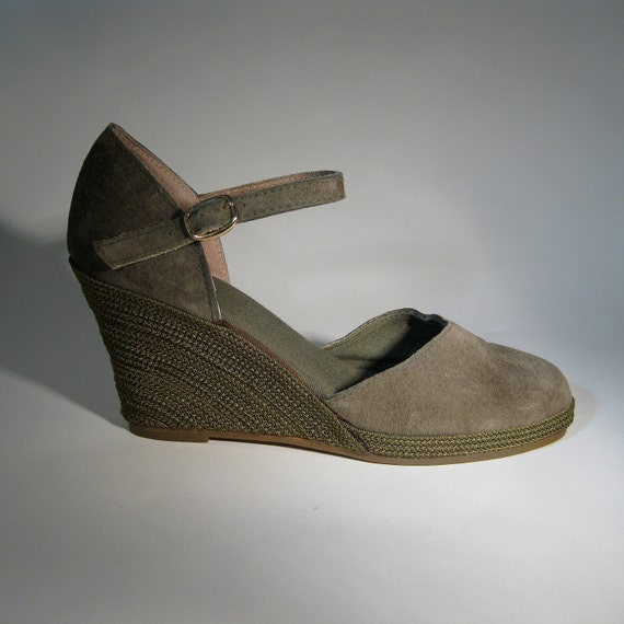 vintage 1970s suede wedge shoes olive green platform 1980s
