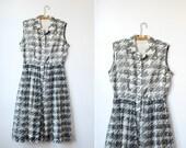 vintage 50's HOUNDSTOOTH SCRIBBLE Sleeveless Nylon Full Skirt Day Dress (medium)