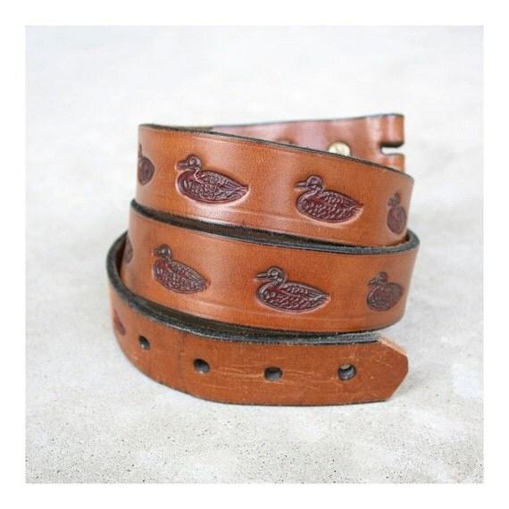 Vintage Unisex 1970s Tooled Leather Mallard Duck Belt Strap