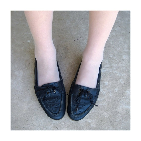 Moccasin Midnight Blue Leather Flats Preppy Deck Shoes Slip On Loafers by Mushrooms Size 8