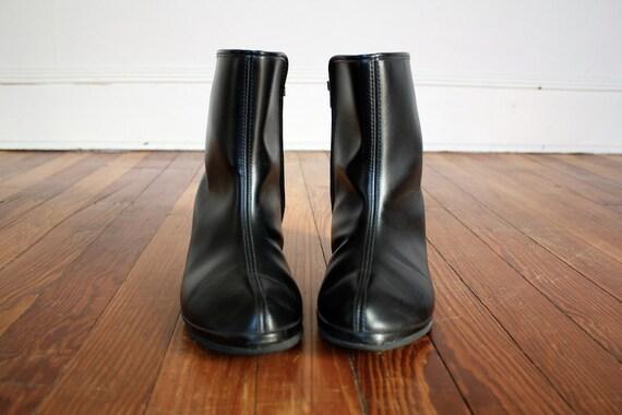 Ankle Boots Vintage Black Vegan Minimalist Rain Boots with Side Zip Size 7/7.5