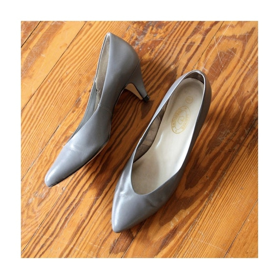 Vintage Battleship Gray Leather High Heels Size 8.5