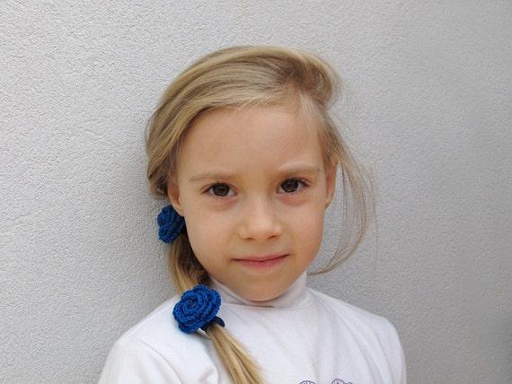 Blue crochet flower elastic hair ties
