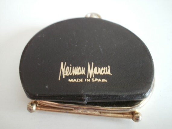 Vintage Black Leather Neiman Marcus Folding Change Purse -- A Classic -- FREE SHIPPING