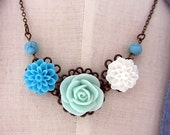 carribean dream - mint, blue, white flower nekclace with turquoised stone
