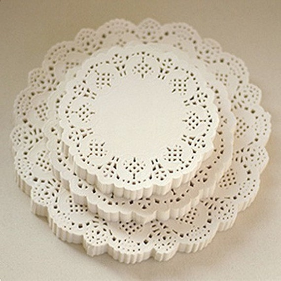 Flower Lace Paper Doilies 5.5 inch (200 sheets)