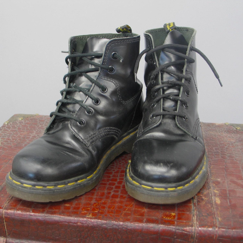 vintage doc martens size 9 air wair boots by egvintage on etsy. Black Bedroom Furniture Sets. Home Design Ideas