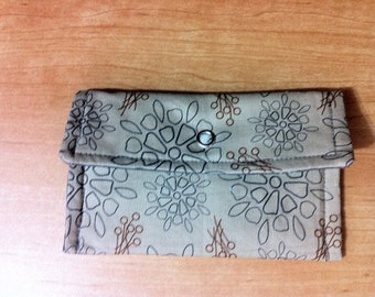 Snap Wallet Gray Flowers