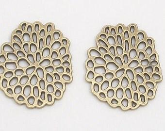 Antique Brass Flower Stencil Metal Charms (2)
