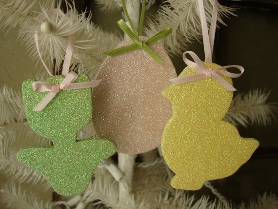 Shabby chic Easter ornaments Cottage chic wooden ornaments Glittered Spring green pink yellow flower easter egg little duck