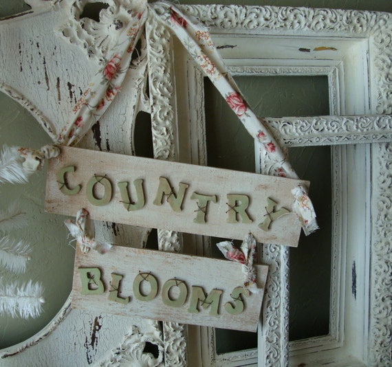 Reclaimed wood garden sign Shabby Chic upcycle Country Blooms wooden wall sign upcycle Farmhouse Chic reclaimed wood floral wall sign
