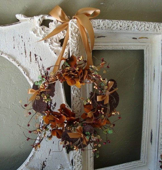 Elegant Fall wreath fall floral with glittered squirrels and acorn ornaments Thanksgiving wall decorations