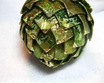 green keepsake Christmas ornament