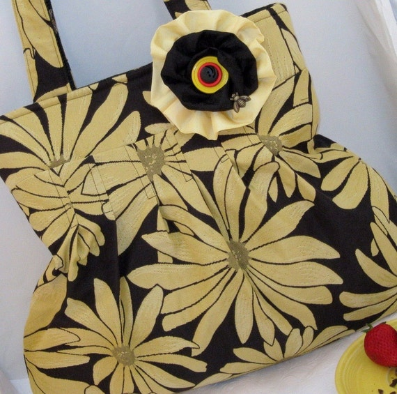 pleated handbag, yellow sunflower