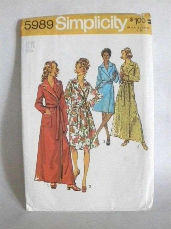 Vintage 70s Simplicity 5989 Misses Robe in Two Lengths Size 16-18 Pattern