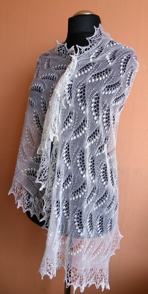 Lace shawl with Lily of Valley pattern