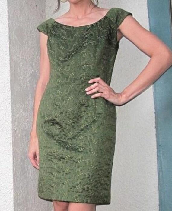 60s Green Goddess Off-the-Shoulder Wiggle Dress----M