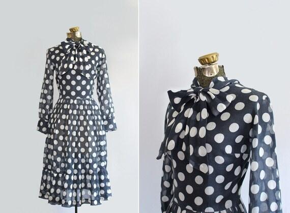 vintage 1960s dress // 60s polka dot day dress // size medium-large