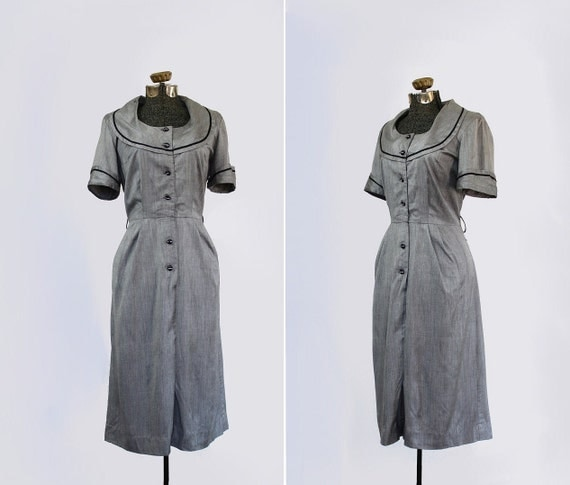 vintage 1950s dress - 50s cocktail wiggle dress - titanium grey -  rhinestone buttons // size large