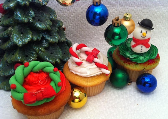 Edible Christmas Cupcake Toppers - Santa - Snowman - Candy Cane - Gingerbread man