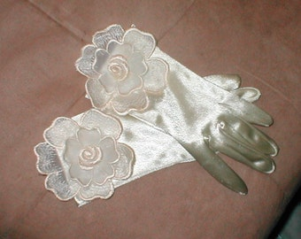 Wrist length Ivory Satin Gloves with Lace for the Bride