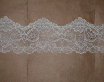 Ivory Vintage Lace Border Trim
