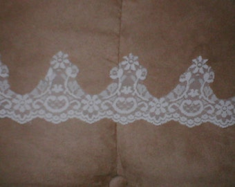 Vintage Chantilly Lace Border  white or ivory