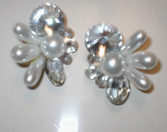 Vintage Clip Earrings pearl and rhinestone clusters