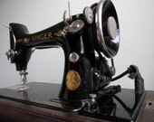 RESERVED for cspangler85 - Beautiful Antique Singer Sewing Machine with Case and Key - 1927 - Free Shipping