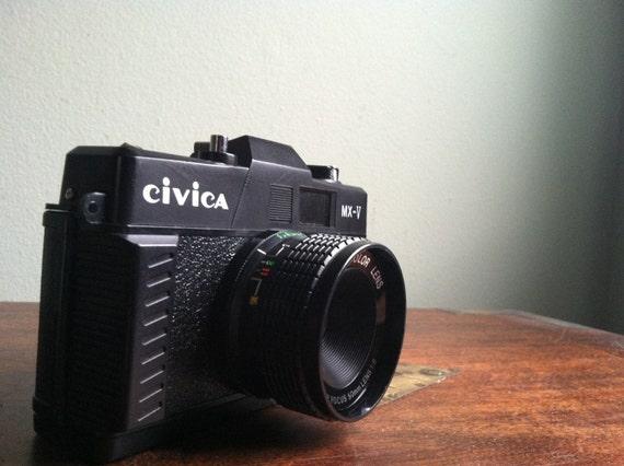 YUNON YN500 35mm Camera Late 70s - Early 80s