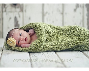 Green Sweet Pea Cocoon in Candy Apple Green, Photography Prop