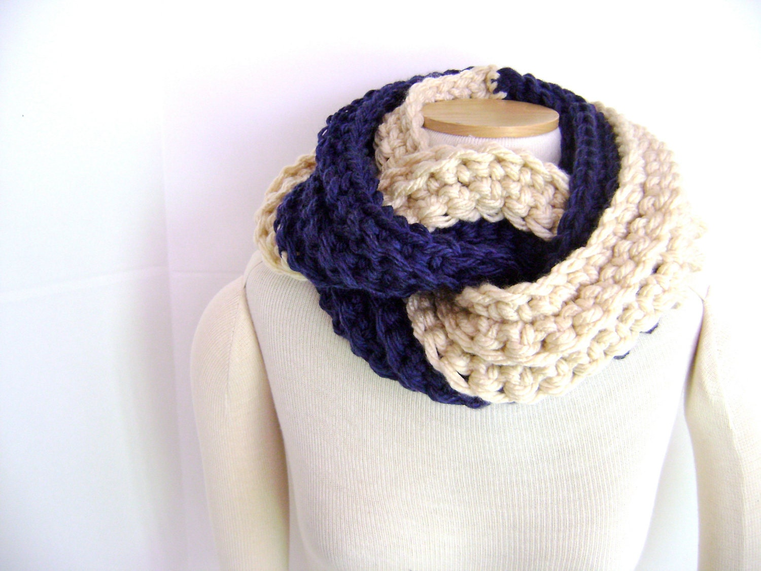 Crochet Scarf Pattern Thick Yarn : Crochet PATTERN for Chunky Twist Scarf Cowl Great for the