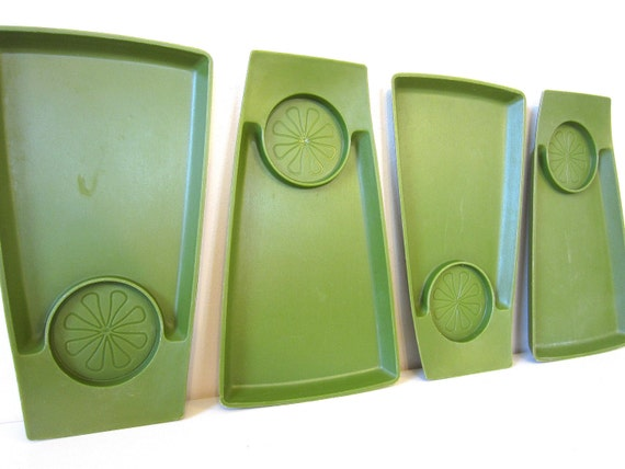 avocado green snack trays, retro camping, cookouts, parties, showers, mod