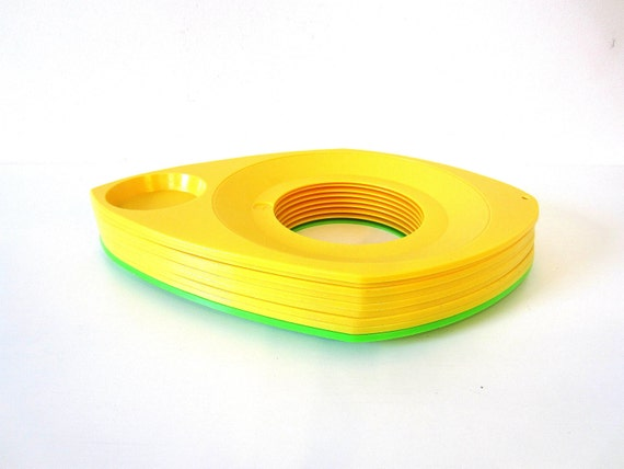 paper plate holders, retro yellow, green, set of 9, spring picnics