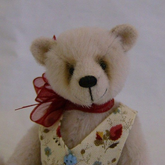 Forget-me-not teddy bear e-pattern