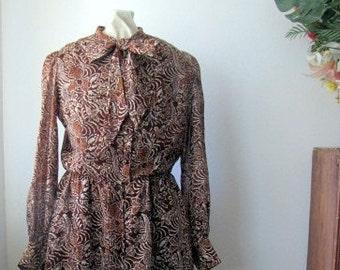 Vintage 1970's Brown Tribal Boho Batik Print Dress