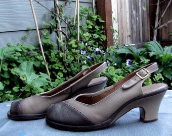 Vintage Cobbies Tan Peep Toe Leather Pumps