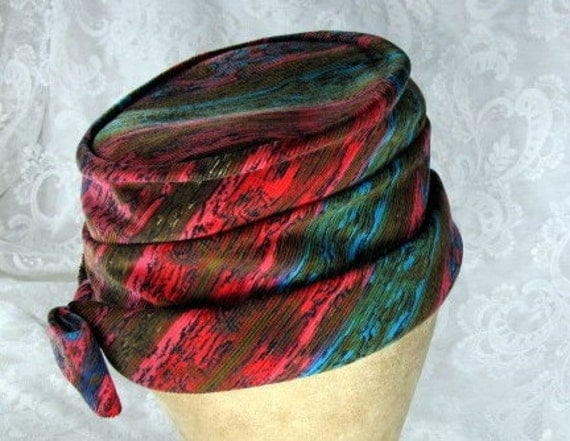 Vintage 1960s Boho Turban Style Hat in Rainbow Impressionism Print