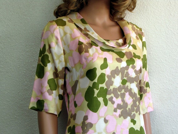 1960s Satin Lady Camo Print Shift Dress in Buttery Yellow, Pinks and Moss Green