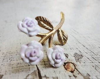 vintage jewelry goldtone and little light purple flowers pin brooch