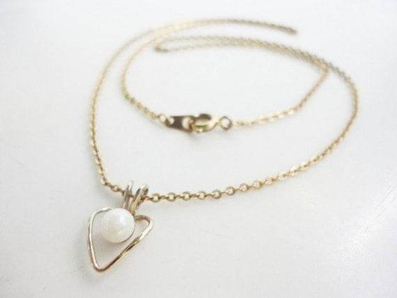 little tiny heart and pearl necklace